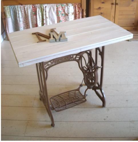 ミシン脚テーブル