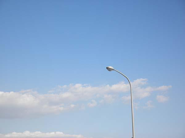 20111124街灯と空