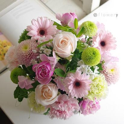 フラワリーの花