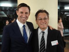 Dr. Marc Nevins と院長