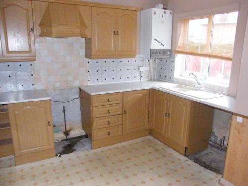 old kitchen01