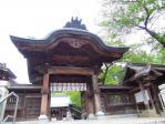 石段のてっぺんにある神門