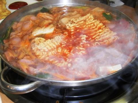 ブデチゲ(部隊鍋)