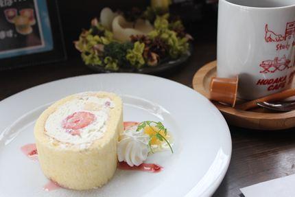 110226ドッグカフェ ロールケーキ