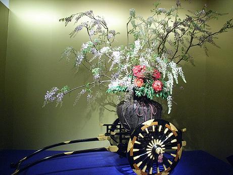 藤と牡丹の花車