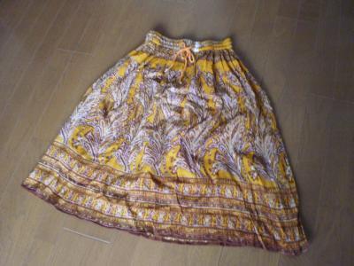 縮緬スカート