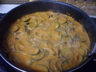 レッドカレー鍋のなべ
