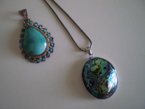 トルコ石と貝