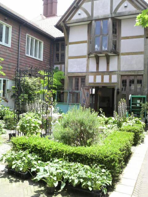 HOUSE&ROOM-2010061111470000.jpg