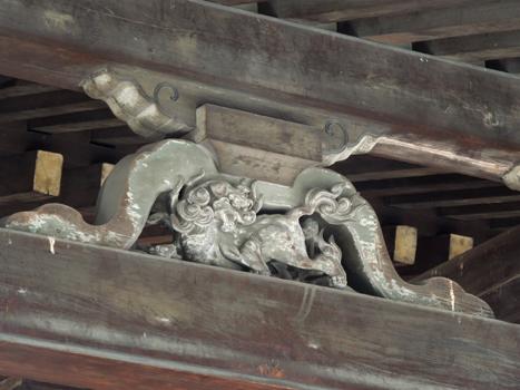 東本願寺の屋根の龍