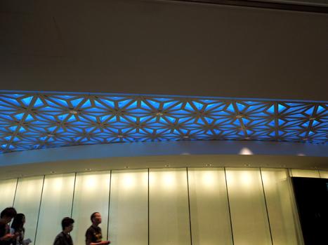 エントランスの廊下の天井