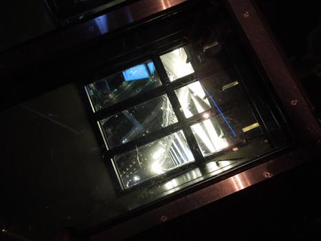 ガラス床1