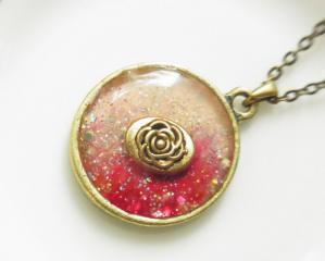 33レジンのネックレス☆紅☆薔薇1