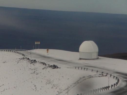1228snow2-520x390December282013Hawaii snow, Mauna Kea Access Road closed