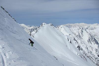 針ノ木岳ヤマクボ沢上部、稜線直下の急登。