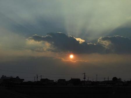輝く夕陽 011