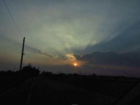 輝く夕陽 024