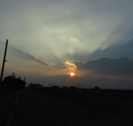 輝く夕陽 022