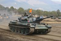 12-滝ヶ原 74式戦車 いまだに主力戦車です。