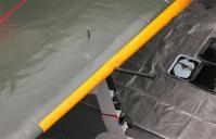主脚位置指示装置の突起部分
