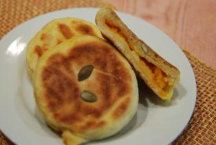 フライパンでかぼちゃパン