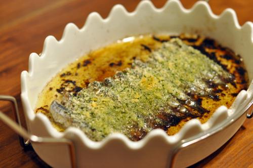 自家製オイルサーディンの香草パン粉焼き