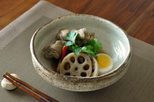 鶏手羽元とれんこんのアジアン煮