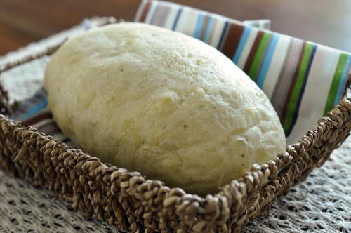 じゃがいもとアンチョビの白パン