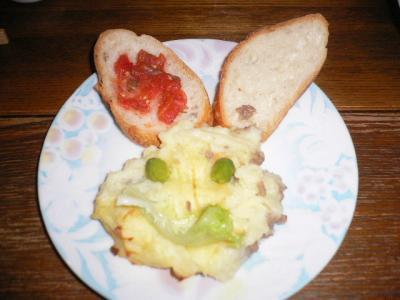 ポテトとフランスパンのウサギ
