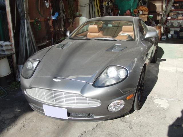 Aston Martin V12 Vanquish -1