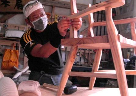 作業状況~木の椅子2。