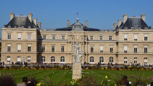 秋のリュクサンブール公園とリュクサンブール宮殿