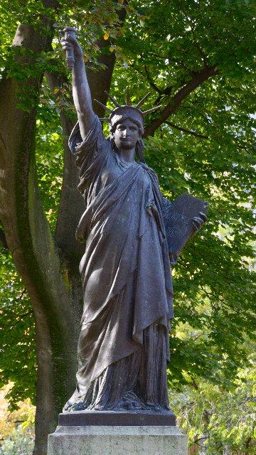 リュクサンブール公園:自由の女神像