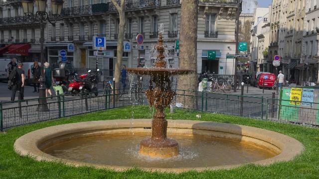 モーベール広場の泉
