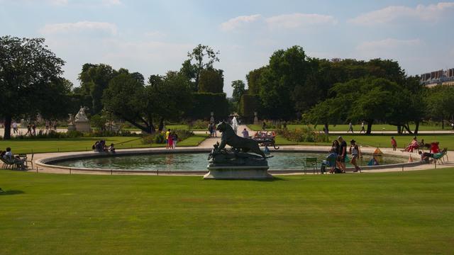 夏のチュイルリー公園