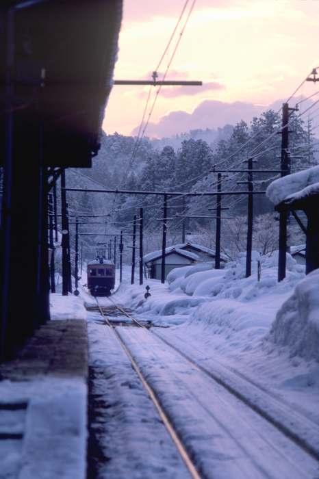 higashikamo1985021b.jpg