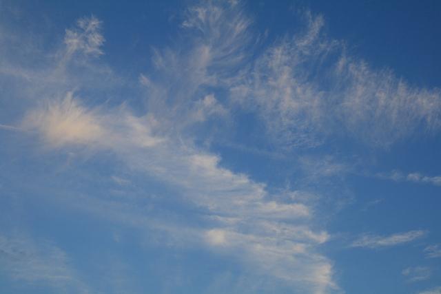 0718午後7時前の南の空