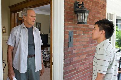 ポーランド系アメリカ人のウォルトとモン族の少年タオとの交流