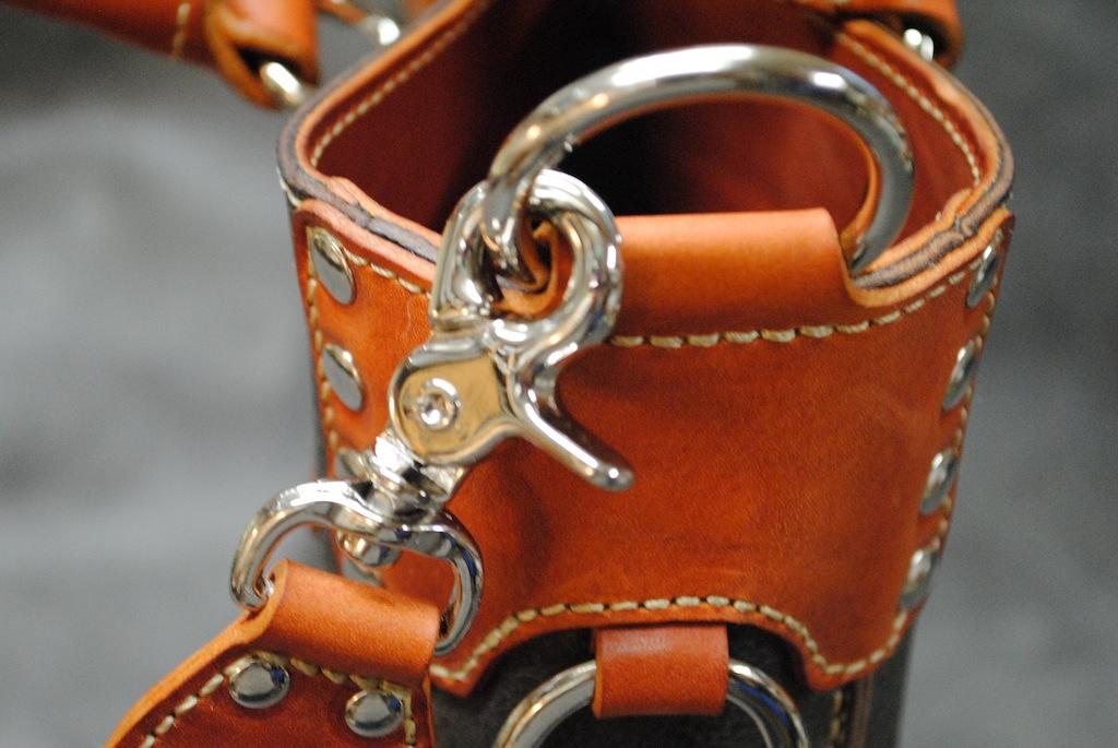 バケッタレザーのショルダートートバッグ 2
