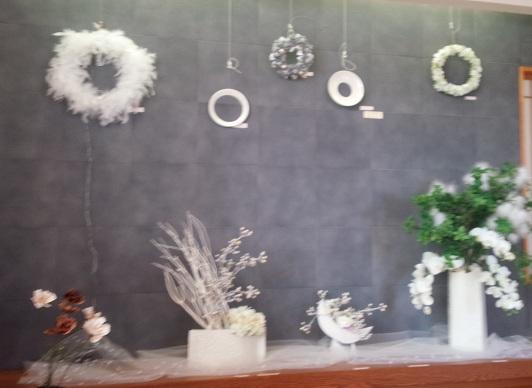 2014.10器と遊ぶ花展1