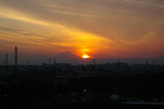 富士に近寄ったか夕陽