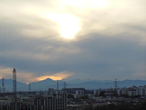 富士は見えず