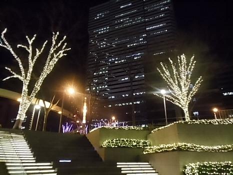新宿野村ビル付近のイルミネーション