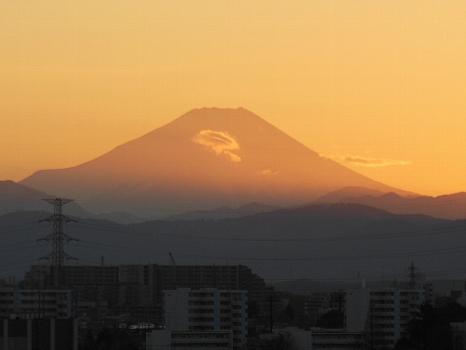 夕べの冬富士