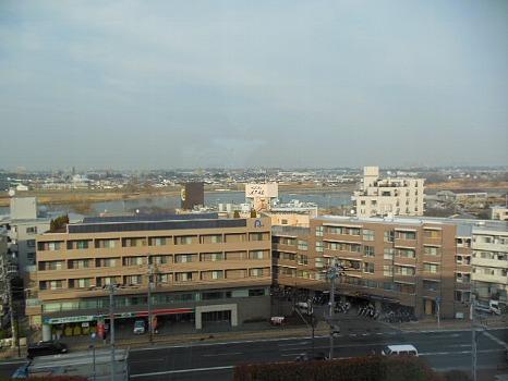 多摩川を望むA
