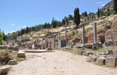 遺跡と観光客