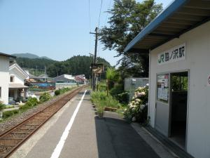 脇の沢駅ホーム