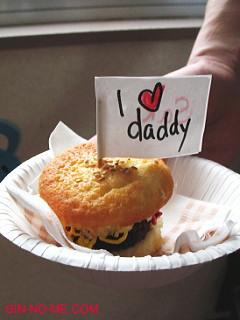ハンバーガーみたいなカップケーキ 幼稚園の行事にて