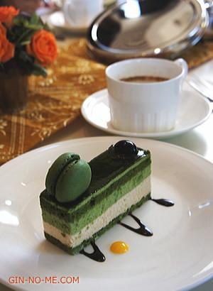 和風ゴマのチャイと抹茶と黒糖のケーキ