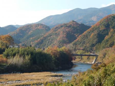 大石 波多瀬橋を望む
